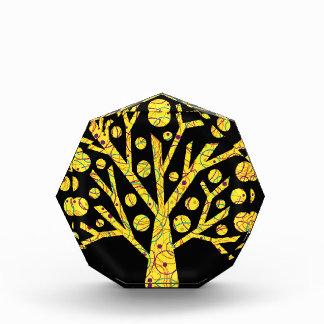 Árbol mágico amarillo