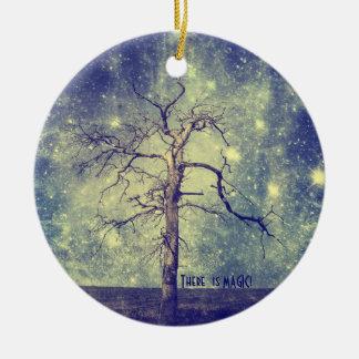 Árbol mágico del ornamento del navidad del adorno navideño redondo de cerámica