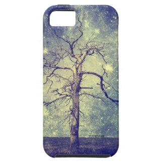Árbol mágico del universo iPhone 5 Case-Mate carcasas