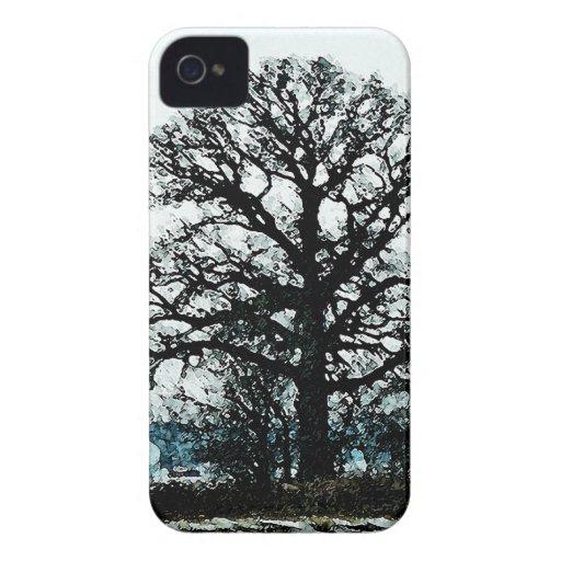 Árbol majestuoso en la nieve Case-Mate iPhone 4 carcasas