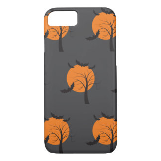 Árbol muerto, luna anaranjada y palos Halloween Funda iPhone 7