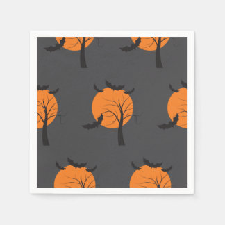 Árbol muerto, luna anaranjada y palos Halloween Servilleta De Papel