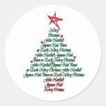 Árbol natal de Feliz de la tarjeta multilingue de Pegatina Redonda