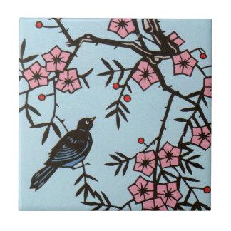 Árbol negro de la flor de cerezo del pájaro azulejo cuadrado pequeño