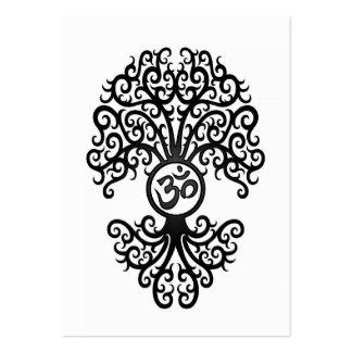 Árbol negro de OM de la yoga en blanco Plantilla De Tarjeta De Visita