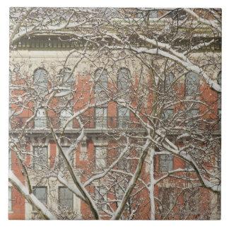 Árbol nevado azulejo cuadrado grande