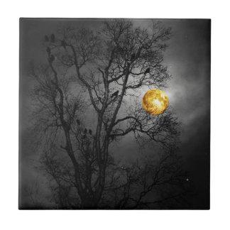 Árbol por completo de cuervos con una Luna Llena Azulejo Cuadrado Pequeño