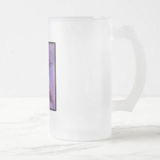 árbol púrpura triste taza de cristal