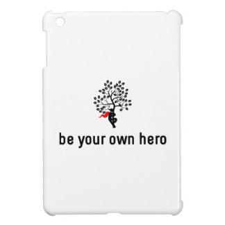 Árbol que abraza al héroe