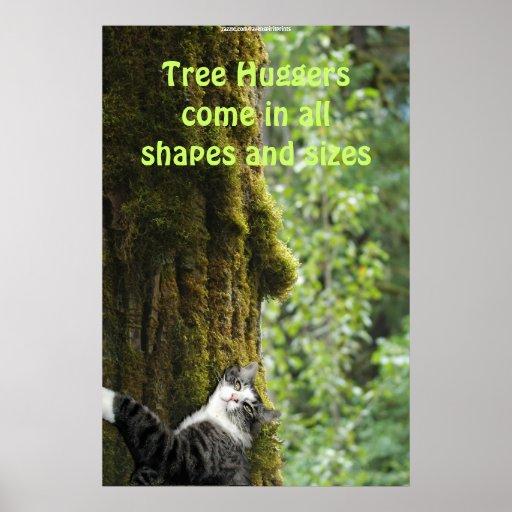 Árbol que abraza el gato de Tabby en poster del Dí Póster