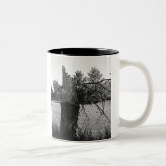 Árbol quebrado taza de café