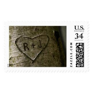 Árbol rústico que talla franqueo sello postal