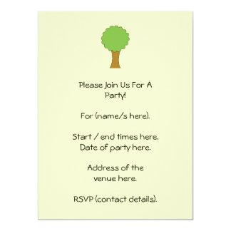 Árbol verde. En el fondo poner crema Invitaciones Personales