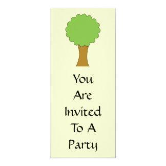 Árbol verde. En el fondo poner crema Invitación