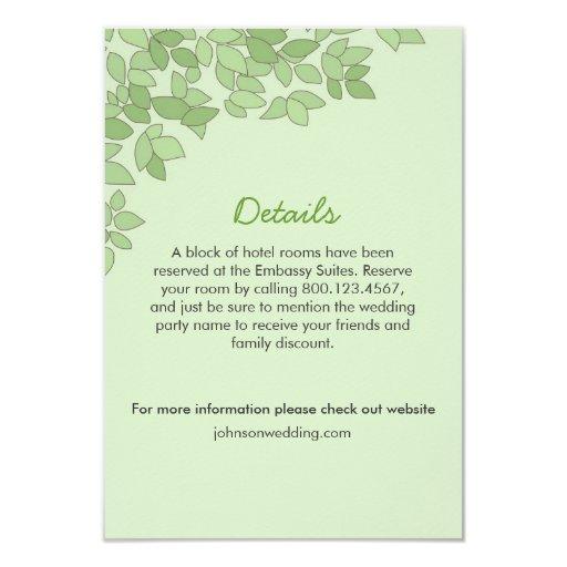 Árbol verde que casa la tarjeta del Info Anuncios