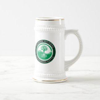 Árbol verde que va Massachusetts Jarra De Cerveza