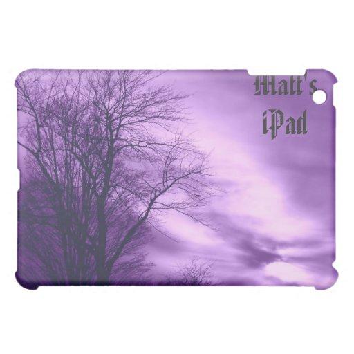 Árbol y cielo del invierno en caja púrpura del iPa