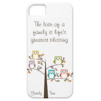 Árbol y cita de familia del búho iPhone 5 carcasas