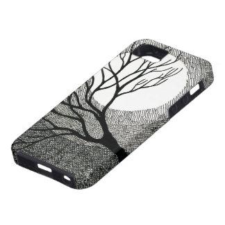 Árbol y luna del invierno en blanco y negro iPhone 5 Case-Mate fundas
