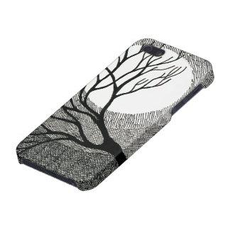 Árbol y luna del invierno en blanco y negro iPhone 5 carcasa