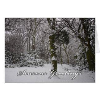 Arbolado en la nieve - tarjeta de la nota/de felic