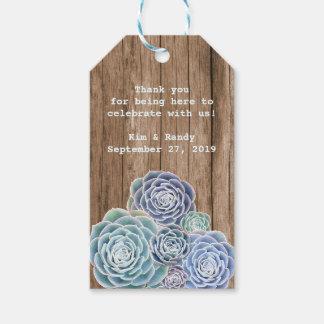 Arbolado que casa etiquetas de madera rústicas del etiquetas para regalos