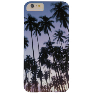 Arboleda real de la palma de Kupuva en Kaunakakai Funda Para iPhone 6 Plus Barely There
