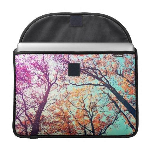 Árboles coloridos fundas para macbook pro