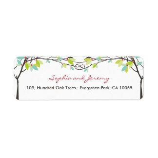 Árboles de amor anudados primavera que casan etiqueta de remite