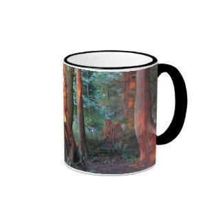 Árboles de fuego taza