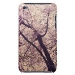 Árboles de la primavera del Central Park iPod Touch Case-Mate Cárcasa