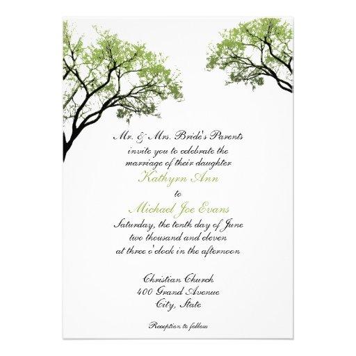 Árboles de la primavera que casan la invitación