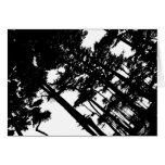 Árboles de la tarjeta de nota en blanco y negro
