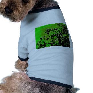 Árboles de pino camisa de perro