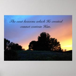 Árboles del cartel en puesta del sol con escritura póster