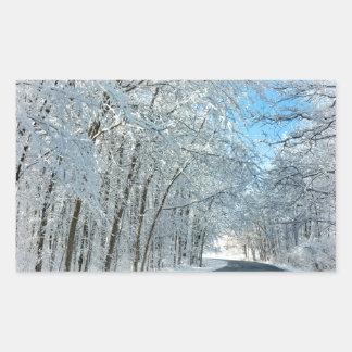 Árboles del invierno Nevado Pegatina Rectangular