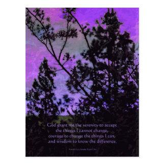 Árboles del rezo de la serenidad y violeta del tarjeta postal