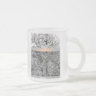 árboles del solsticio de invierno taza de cristal