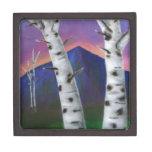 Árboles delante de las montañas I Caja De Recuerdo De Calidad