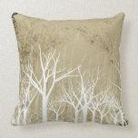 Árboles desnudos del invierno cojines