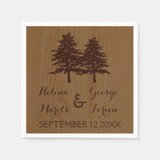 Árboles en el boda marrón de madera del arbolado servilleta desechable