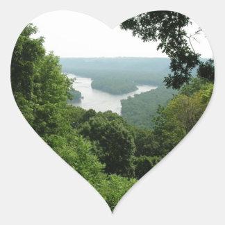 Árboles en el parque de estado de Wyalusing - río Pegatina En Forma De Corazón