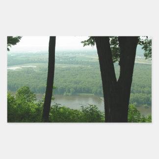 Árboles en el parque de estado de Wyalusing - río Pegatina Rectangular