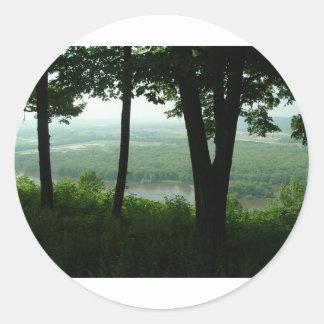 Árboles en el parque de estado de Wyalusing - río Pegatina Redonda