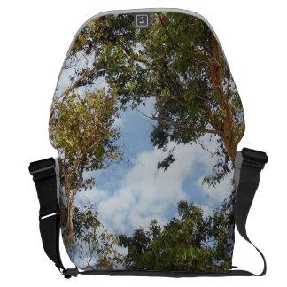 Árboles en la bolsa de mensajero bolsa de mensajeria