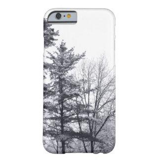 Árboles Nevado: Caso delgado del iPhone 6 Funda Para iPhone 6 Barely There