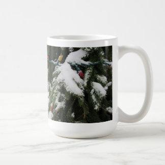 Árboles Nevado y luces de navidad Tazas De Café