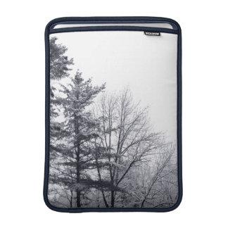 Árboles nevados Vertical Fundas MacBook