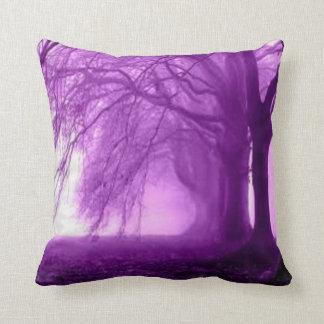 árboles púrpuras cojines