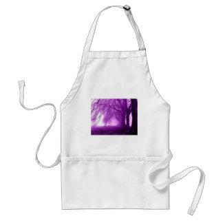 árboles púrpuras delantal